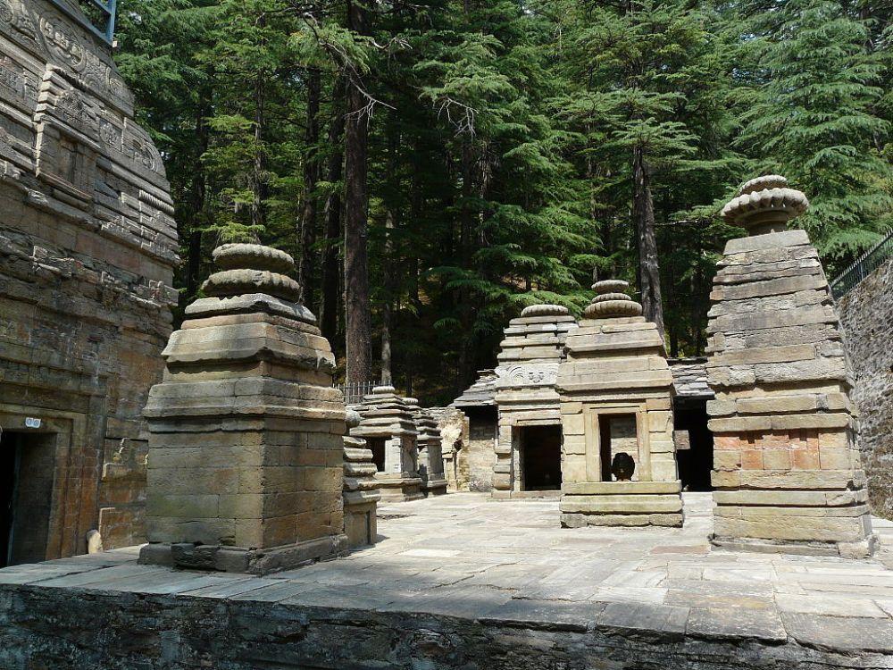 1024px-Dandeshwar_temple_complex_(6133874878)