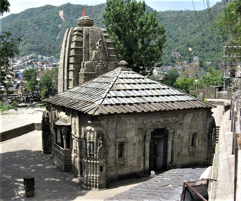 1200px-Triloknath_Temple_Mandi